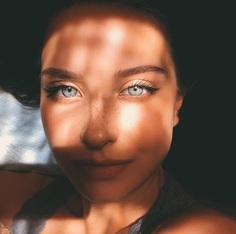 Awesome Self Portrait by Katya Mirо