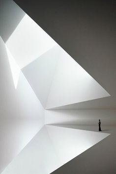 radel_brunecky.jpg 470 × 707 Pixel #white #person #space #photography #light #room