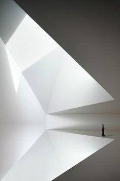 radel_brunecky.jpg 470  707 Pixel #white #person #room