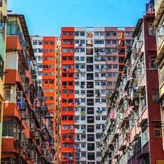 Hong Kong buildings have their own lives🏦! #Hongkong #HK #Building #Shades #Multicolor #Colorful #Nuance #realimage #social #brandi