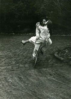 love & bike #bicycle #ride #romance #bike #cycling #love #kiss