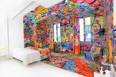 \'Panic Room\' Graffiti Hotel by Tilt | Inthralld