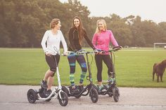 Workout your entire body on the go with the Me-Mover FIT, a stepper on wheels that's perfect for travelling. #productdesign #industrialdesig