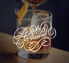 Old Fashioned for them cold winter nights - 📷by @a_r_j / @unsplash - #strengthinletters #handlettering #lettering #cocktails #drunkletter