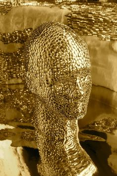 Golden | Jessie Bearden #shiny #head #golden #gold