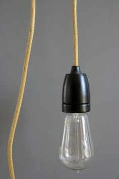 vintage-style-porcelain-light-fitting-black-with-gold-flex-6128-p.jpg 400×600 pixels