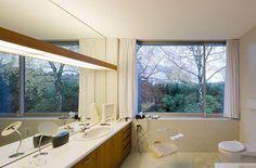 Image Spark dmciv #interiors #bathrooms #wood #architecture #neutra
