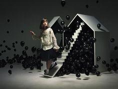 Buamai Nam #houses #kid #balloons #black