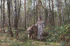 Olga Barantseva Captures Dreamlike Scenes With a 700-Kilogram Brown Bear