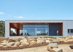 Paddock House by Archterra Enjoys an Idyllic Rural Location