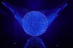 CJWHO ™ (Sculpture in Motion Made of 12,000 Translucent...) #sculpture #motion #design #interiors #art #blue