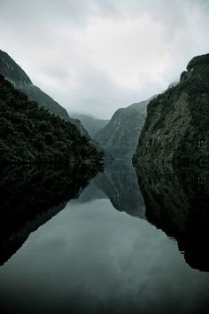 tumblr_mt9alvwvNx1s4pl3no1_500 #lake #mountains #water #reflection