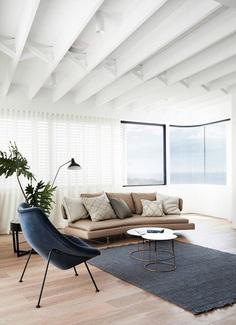 Tama's Tee House: A Coastal Concrete Unipod by Luigi Rosselli 6
