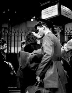 Black and White Photography by Alfred Eisenstaedt #inspiration #white #black #photography #and