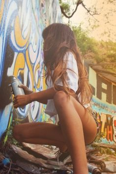 I'm starting to see a trend emerging « HURTYOUBAD SUPERBLOG #graffiti #photography #girls