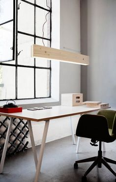 DIY Office, lampada per neon #wood #office #white #diy