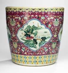 A large 'Famille rose Cachepot with landscape decor in eight passigen cartridges #Sets #Tea sets #Porcelain sets #Antique plates #Plates #Wall plates #Figures #Porcelain figurines #porcelain