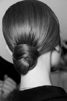 Sara Lindholm - s-w-a-r-o-v-s-k-i: YSLÂ #fashion #hair #female