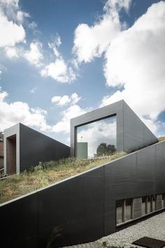 OYO: House pibo   Sgustok Design