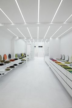 Muriel Grateau Gallery, Paris store design #abstract #white #design #colours #store