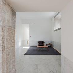 #Hall and #sittingarea with #marblefloor. #AbadePedrosaMuseum by #AlvaroSizaVieira and #EduardoSoutodeMoura. Photo by #JoaoMorgado.