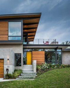 Modern architecture and spacious roof deck Barton Hills Residence - HomeWorldDesign (1) #architecture #texas