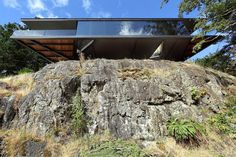 Tula House is Perched 44 Feet Above the Pacific Ocean on a Remote Island 1