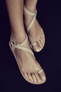 Pinned Image #feet #sandals #nude