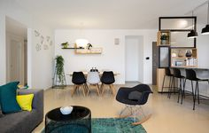 Five Rooms Apartment – Little Drop Of Black by EN Studio