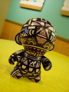 Posts from gneural - Forrst #gneural #denver #clapper #colorado #illustration #munny #debbie #patterns #toy