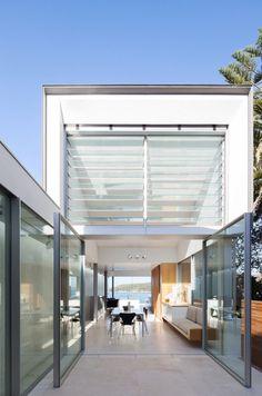 Narrow Beach House in Sydney by Marston Architects 1