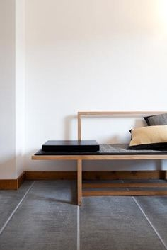 emmas designblogg - design and style from a scandinavian perspective #interior #bench #grey
