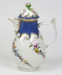 Meissen coffee jug, around 1750 #porcelain