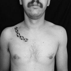 #black #tattoo #illustration #joaquinmotor #chains #buenosairestattoo joaquinmotor.com.ar