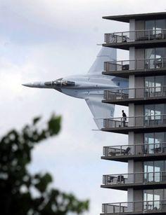 F-18 Buzzes Detroit Apartment