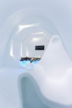 Bedroom in modern ice hotel #hotel #ice #art