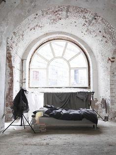 tokyo bleep #brick #white #bed