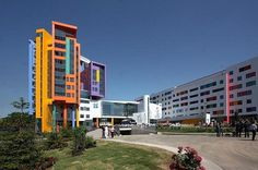 Moscow beautiful pediatric center #bright #architecture #art #exterior #buildings