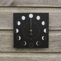 Follow the cycle of the moon with the Moon Phase Clock! It is weather-resistant and doesn't require batteries. Display it indoors or right outside your garden. Created using recycled paper, it makes for a great eco-friendly gift to gardeners and astrology enthusiasts!