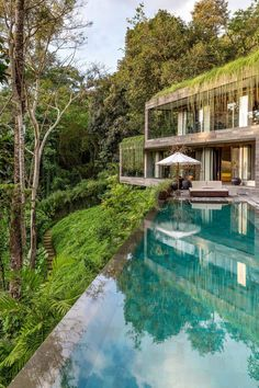 Villa Chameleon Features Breathtaking Views in the Balinese Jungle 19
