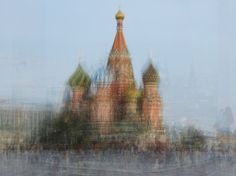 Hundreds of Tourist Photos Weaved into One (18 total) - My Modern Metropolis #weave #layer #tourist #basil #saint #moscow