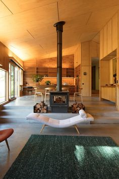 Shadow Cottage Daylesford is a Wood Story in Contrast to a Discrete Industrial Aesthetic 5