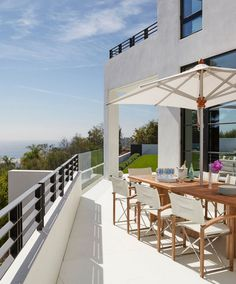 Pacific Palisades Residence in Los Angeles