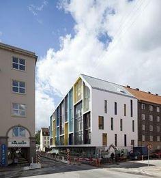 Sættekasse-hus med pastel-pust #architecture