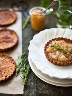 Yummy Supper: LITTLE PEAR TARTS FOR KINFOLK #food