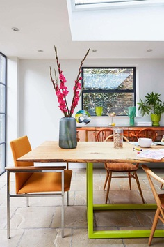 Georgian Terraced House Gets Delicate Restoration with Retro 70s Glamor 1, dinning room