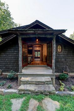 Storybrooke Cottage – Modern Rustic Carriage House by ACM Design