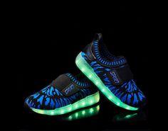 2016 new children's shoes luminous blue