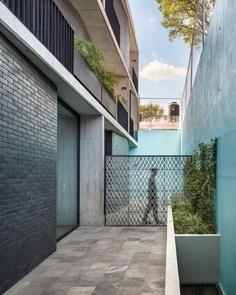 Portales Housing / Fernanda Canales