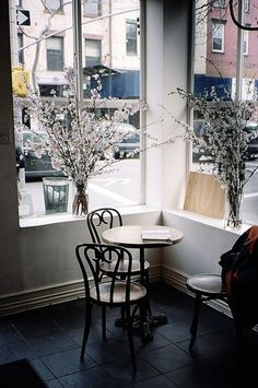 http://trevortriano.com/files/gimgs/th-32_7347404242_73c5f5f1e0_z.jpg SEB: little table, outside coffee feel #trevor #triano #photography #reading #coffee #spring #brooklyn